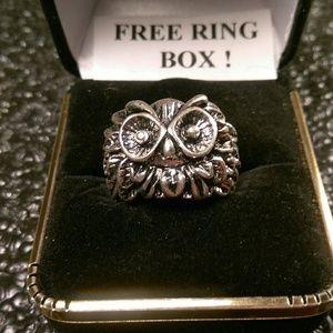 Jewelry - Tibet Silver Ring - Glaring Owl - Size 7